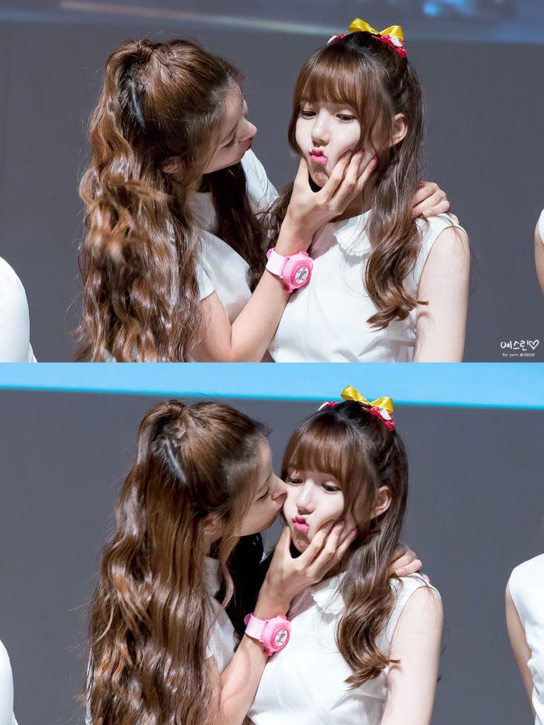 Kpop Skinship Skinship Kpop Idol Kpop Idol Skinship Kpop Idol Kiss Kpop Idol Hug Kpop Idol Expressing Affection Kp Kpop Girls Lesbian Girls Gfriend Sowon