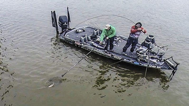 Here is a simple year round crappie fishing guide to long for Crappie fishing boats