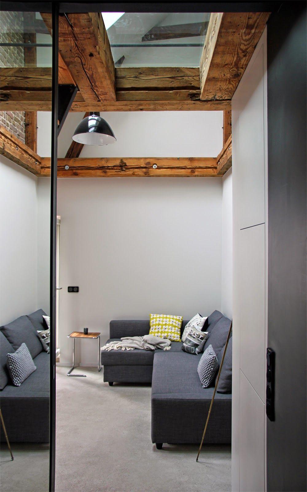 Elegant Grey Living Room. White, Grey And Yellow Colorful Living Room. Wohnzimmer  Einrichten Sofa