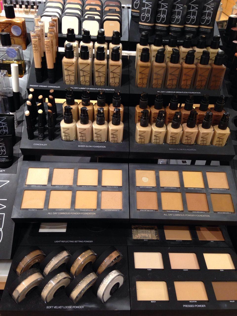 ᏁᎥƙƘᎥ ℒᎧᏤᏋᎦ Makeup brands, Luxury makeup, Makeup cosmetics