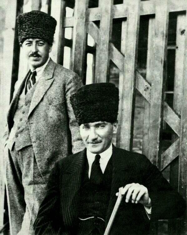 Bu Kadar Guzel Gulunur Mu M K Ataturk Istanbul Turkler