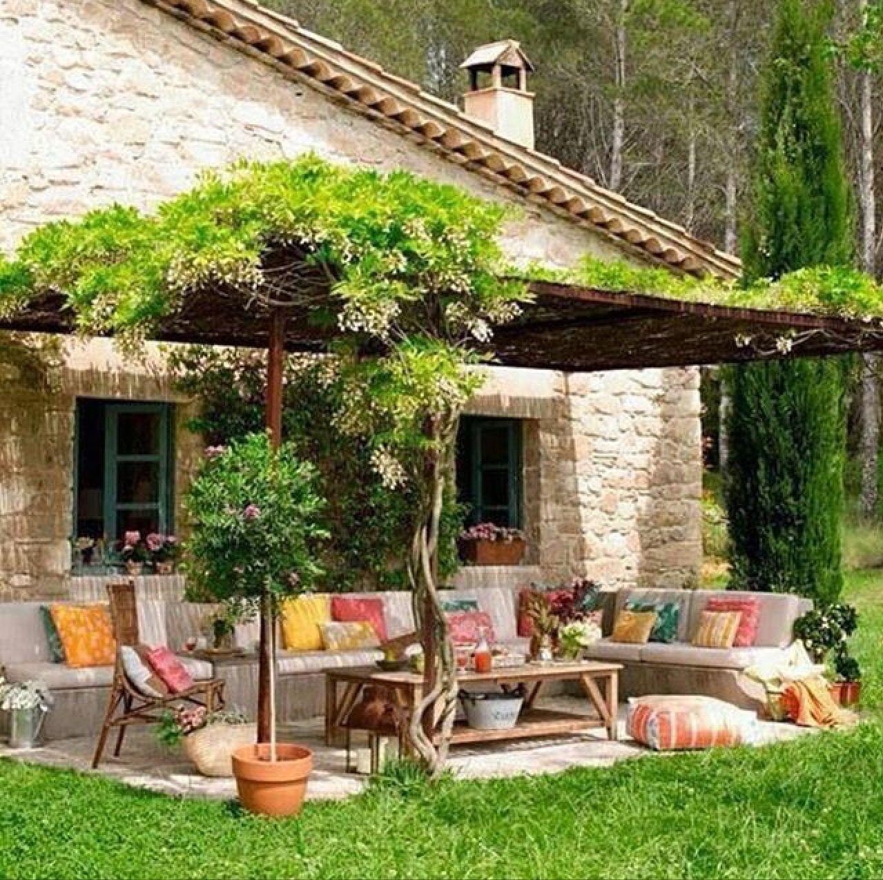 Pin de elissa hopkins en outdoor ideas pinterest patio for Jardin casa rustica