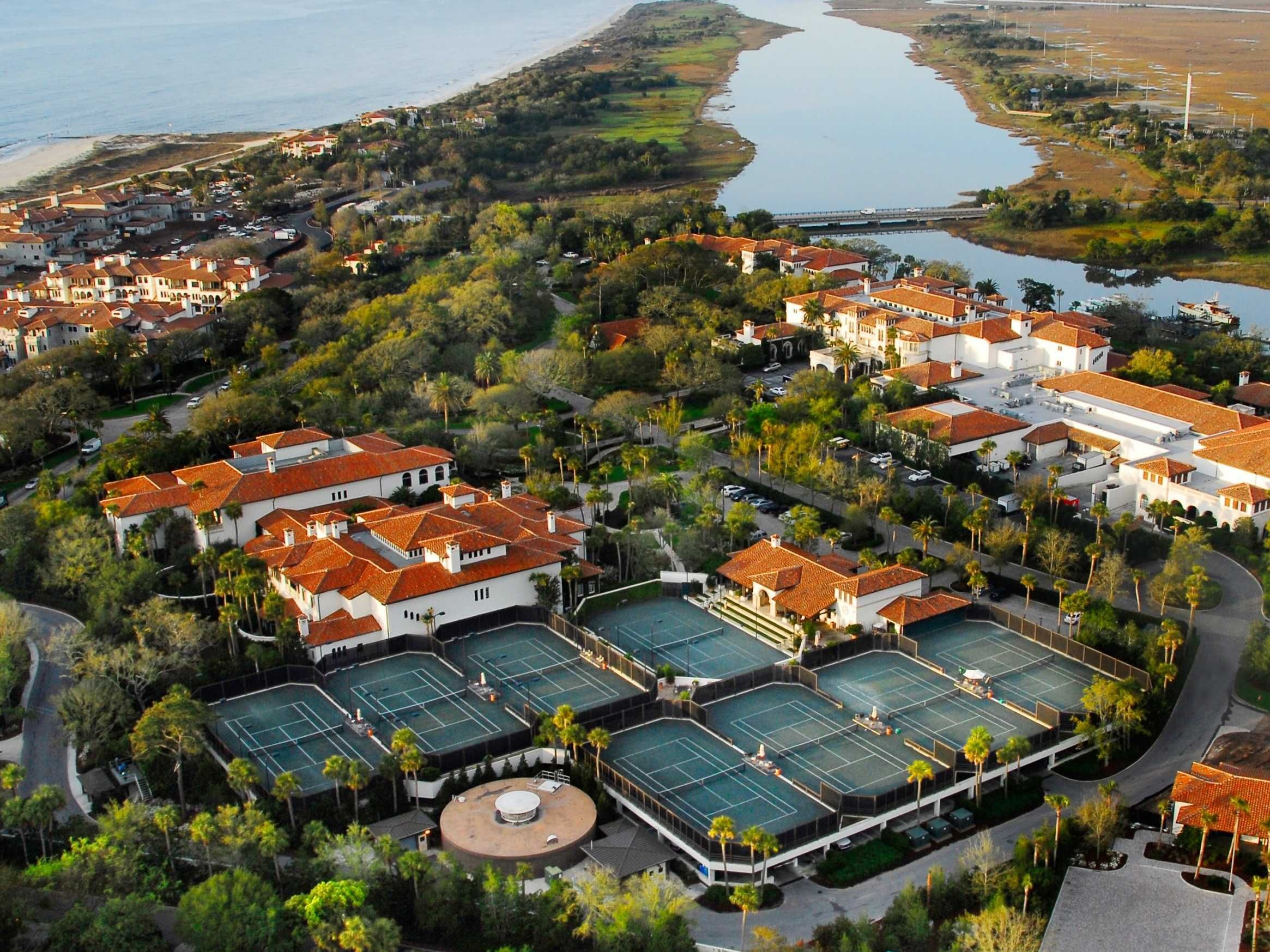 Tennis & Squash Courts In Tennis court, Tennis