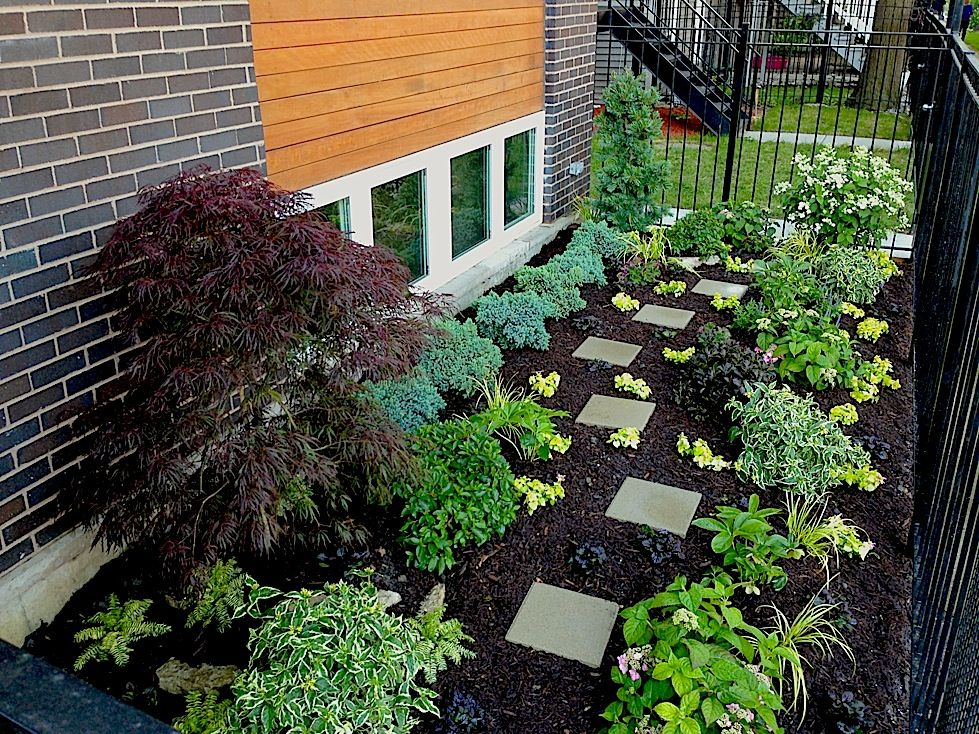 This Front Yard Garden Makes The Most Of A Small Chicago