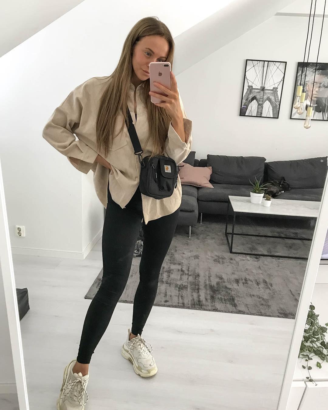 """Karolin Andersson en Instagram: """"Alguien está cansado hoy, y no soy yo. ¿Puedes ver a la chica de camuflaje? 😅 """""""