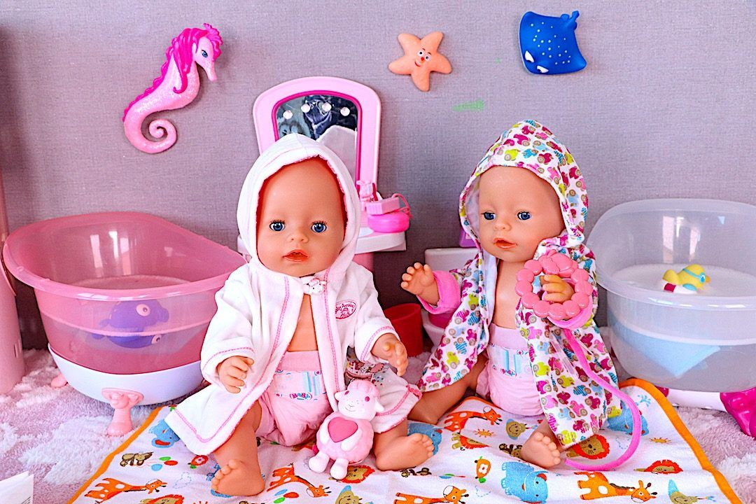 Baby Born Is Such A Cute Baby Doll To Dress Up Bath And Pretend Play To Install The Caring Behaviour In Any Little Girl Baby Dolls Cute Baby Dolls Bath Toys