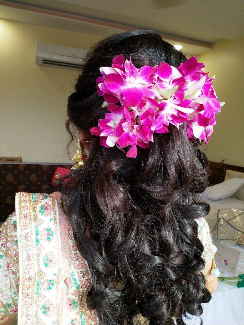 Original Flower Hairstyle Flowers In Hair Indian Bride Flowers