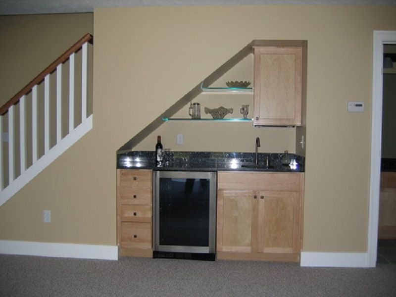 Small basement bar ideas small under stair wet bar for for Finished basement designs