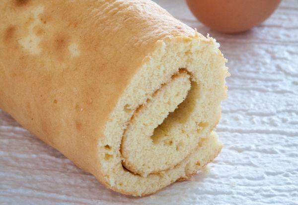 Recette de biscuit façon génoise pour gâteau roulé ou bûche de Noël sans beurre