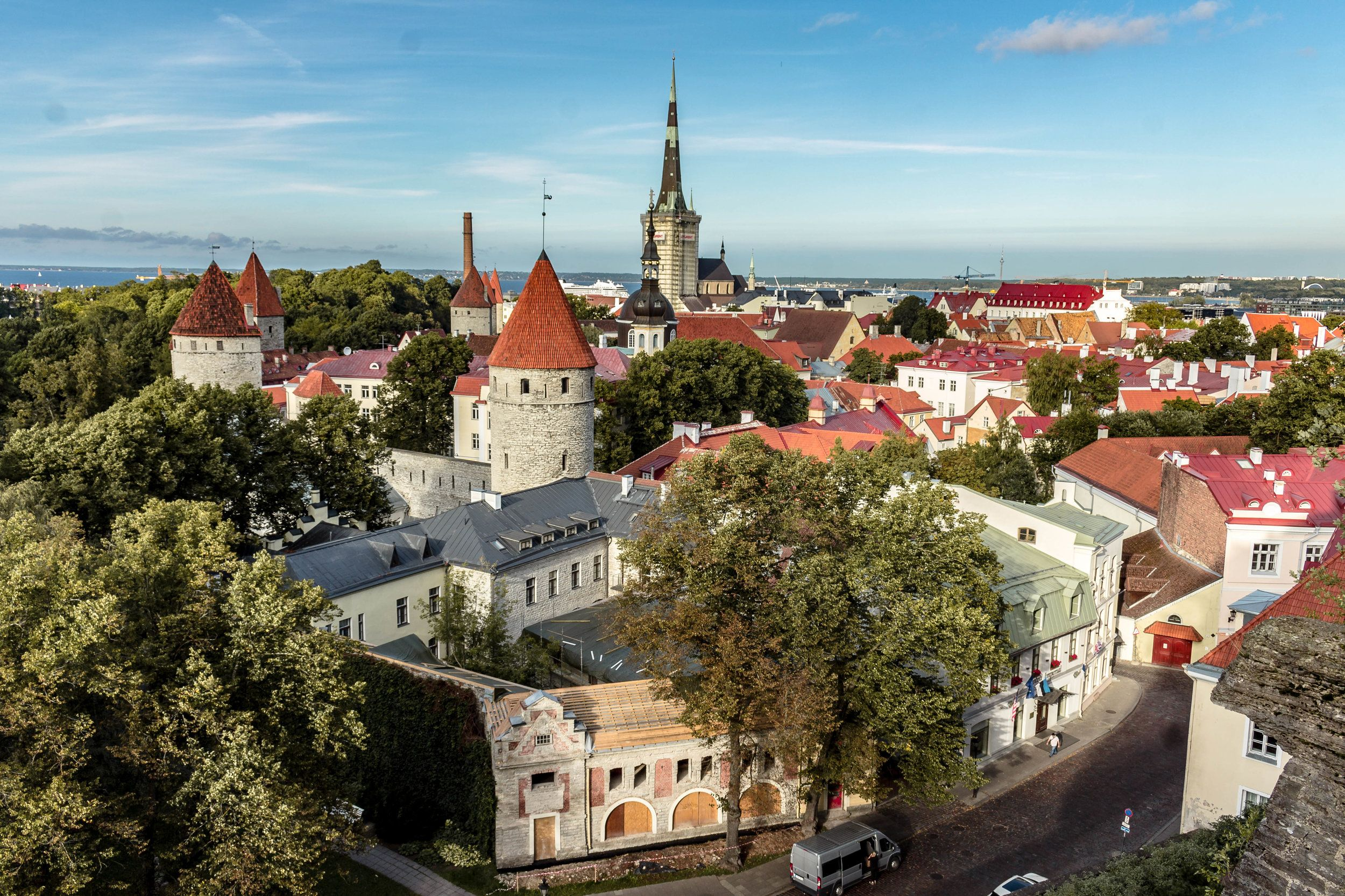 With Less Than 500 000 Inhabitants Tallinn Is A Small City Christmas Markets Europe Baltic Cruise Best Christmas Markets