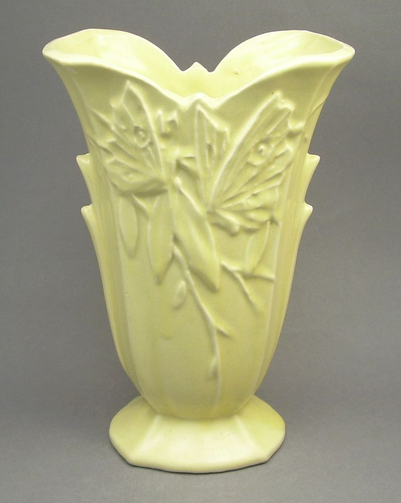 Vintage 1940s nelson mccoy 9 yellow footed art pottery butterfly nelson mccoy matte yellow vase from the butterfly line reviewsmspy