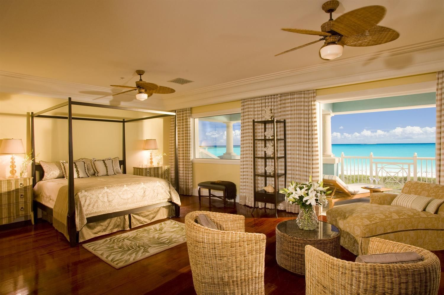 Best Royal Estate 2 Story One Bedroom Beachfront Suite With 400 x 300