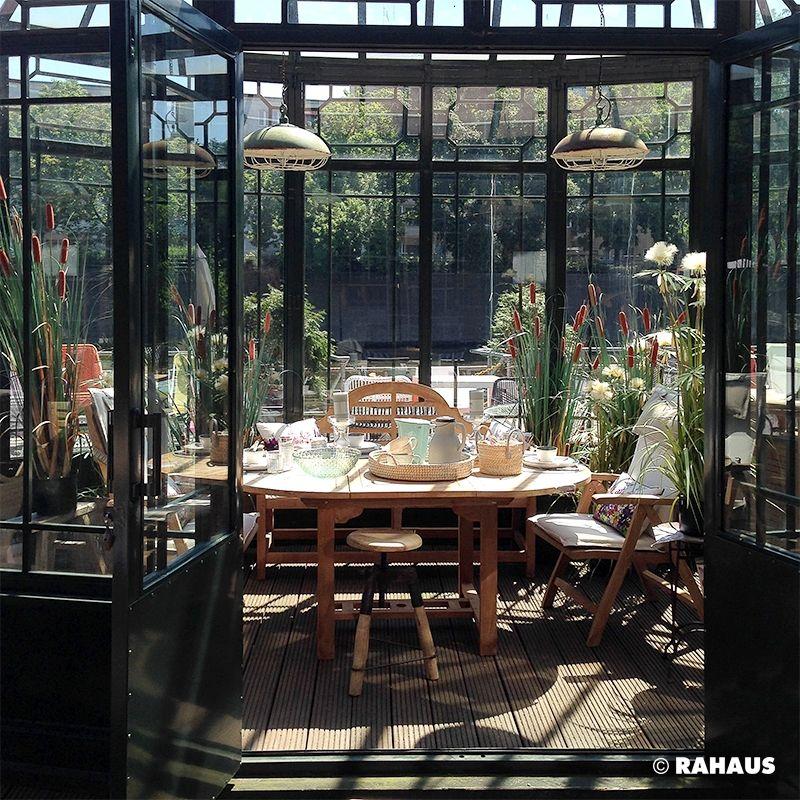 So frühstückt Berlin. RAHAUS Gartenhaus Garten