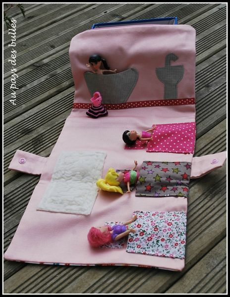 pochette petite fille id e couture enfant pinterest petite fille pochettes et filles. Black Bedroom Furniture Sets. Home Design Ideas