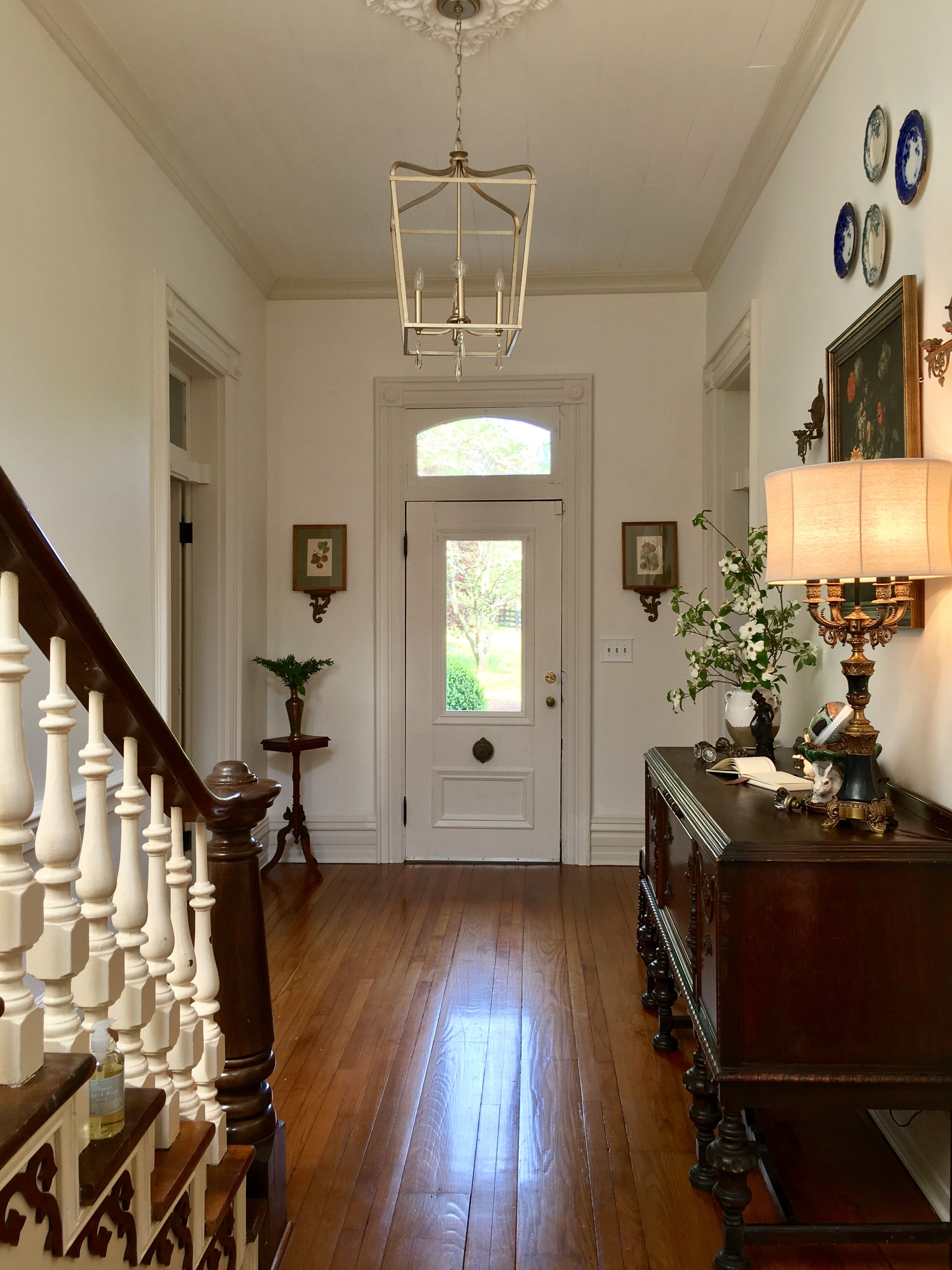 Foyer Victorian Farmhouse With Benjamin Moore Simply White Walls And Ballet Trim Benjaminmoore