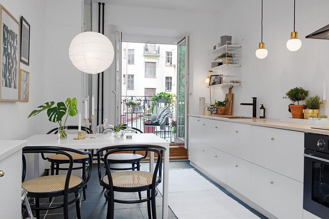 Cocina blanca sillas thonet negras | Cocinas | Pinterest | Cocina ...