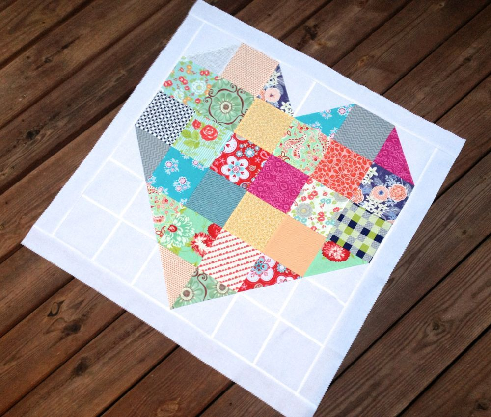 Color My Heart pattern by Fat Quarter Shop | Sew Much Love ... : heart quilt block pattern free - Adamdwight.com