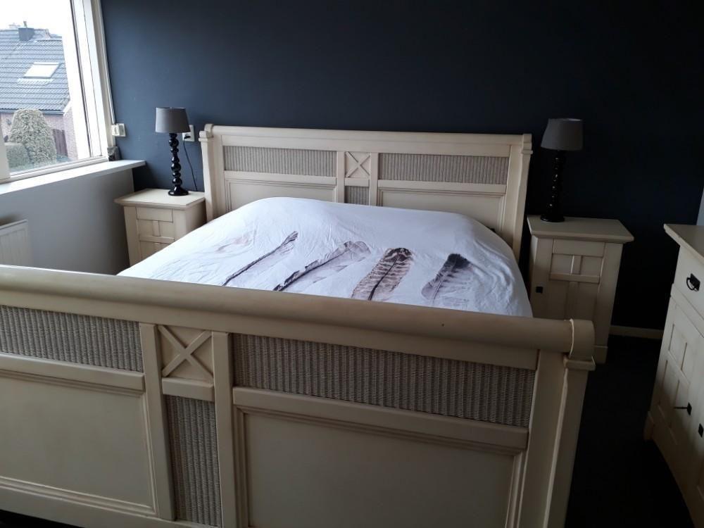 Slaapkamer Bedden Auping.Mooi Bed Met Handmatig Verstelbare Spiraalbodem Van Auping
