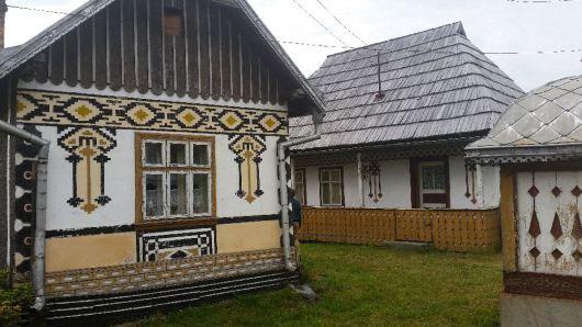 Despre ciocanesti case cu motive - The painted houses of ciocanesti ...