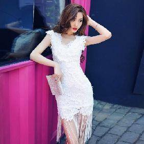 High-end ladies sleeveless V-neck halter crochet tassel pendulum Slim dress
