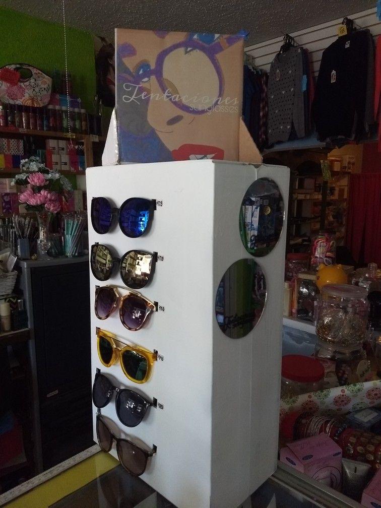 0badaa0d1b Exhibidor para lentes. DIY cartón y espejos.   MKT_Optical   Cartón ...