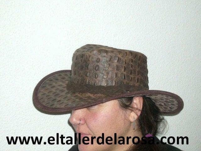981af37e321ae Sombrero tipo australiano realizado en piel de vacuno