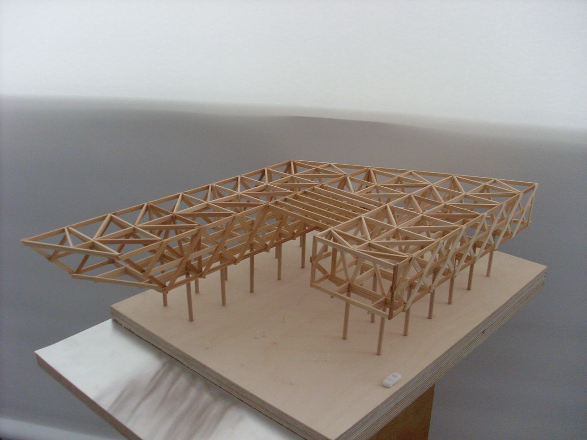 Attractive Analog Model Structural Design