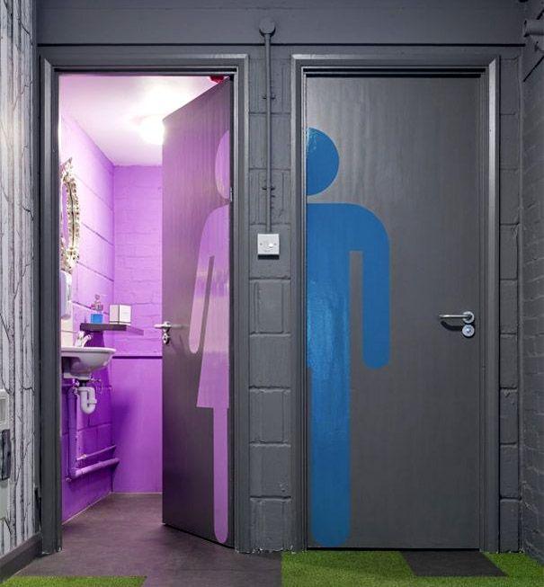 Placas de banheiro criativas 21 decoraci n ba os for Decoracion de banos de restaurantes