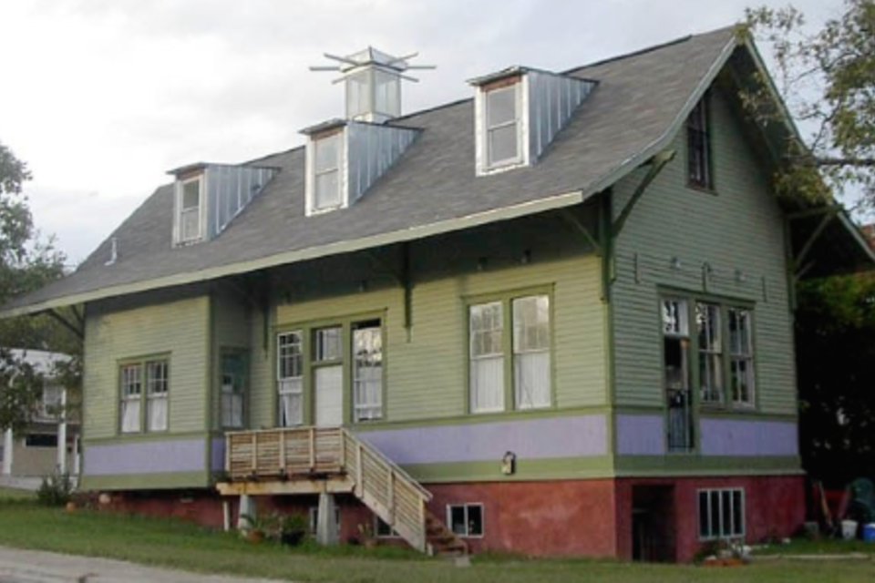 All Aboard! Train Depot as Home - Time to Build | House ... on warehouse house plans, school house plans, hotel house plans, mill house plans, bank house plans, round barn house plans, library house plans, colonial house house plans, lookout tower house plans, hunting lodge house plans, church house plans,