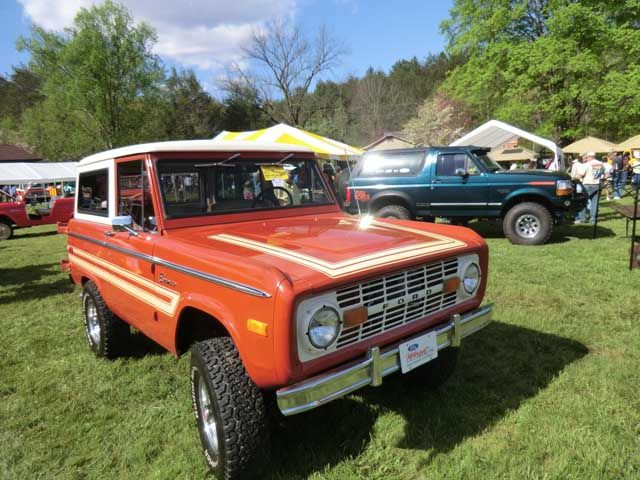 Explorer Decal Kit Rt Side Hood Jpg 640 X 480 73 Classic Trucks Bronco Stripe Kit