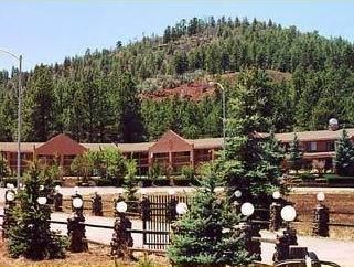 Williams (AZ) Mountain Ranch Resort United States, North America Mountain Ranch Resort is perfectly located for both business and leisure guests in Williams (AZ). The hotel offers a high standard of service and amenities to suit the individual needs of all travelers. Facilities for disabled guests, Wi-Fi in public areas, car park, family room, restaurant are just some of the facilities on offer. Guestrooms are fitted with all the amenities you need for a good night's sleep. In...