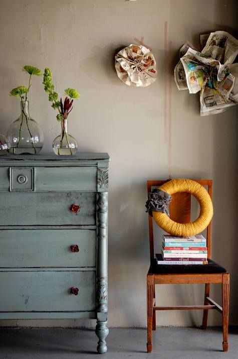 Before And After Basics Putting The Snap In Your Crackle Furniture Makeover Decor Furniture