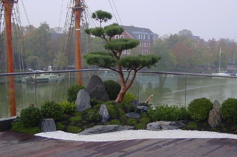 Elegant japanischer Garten auf Dachterrasse traumhaftes Wohnen im Penthouse mit Japangarten