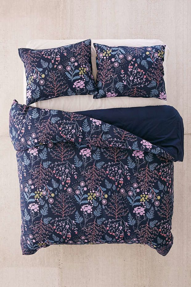 Lillian Floral Duvet Cover Urban Outfitters Apartment Decorating College Bedroom Floral Duvet Cover Bed Styling