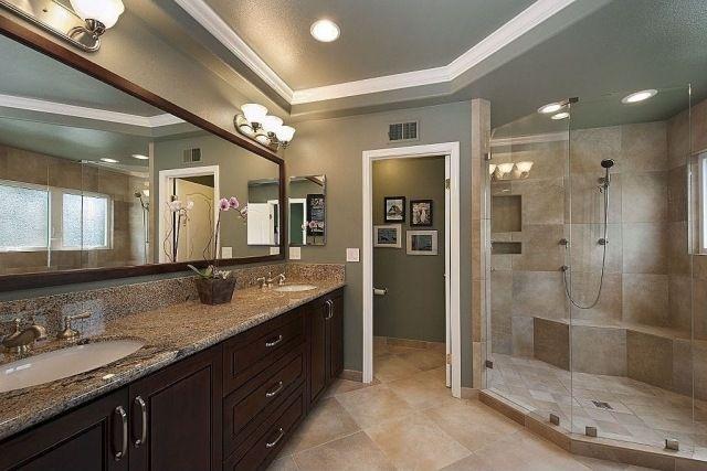 badezimmer streichen grüngrau walkin dusche glaswand