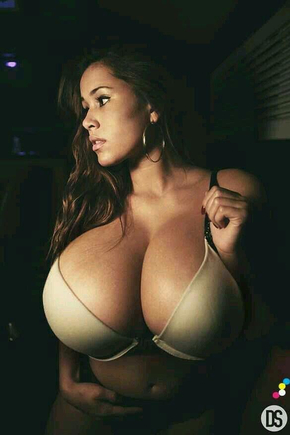 Schwarze Lesben boobs