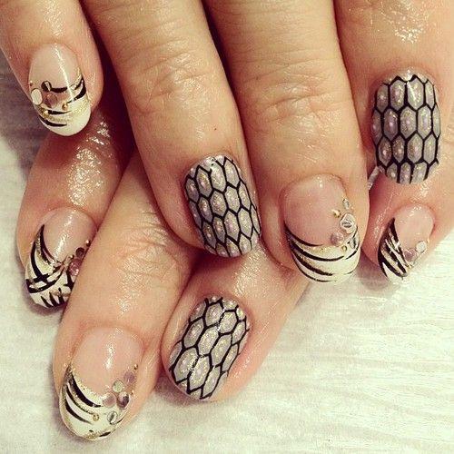 幾何学アートシリーズ モノクロバージョン #nail #nails #nailart #nailarts...
