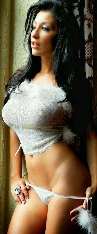 Tiffani amber thiessen fake nude pic
