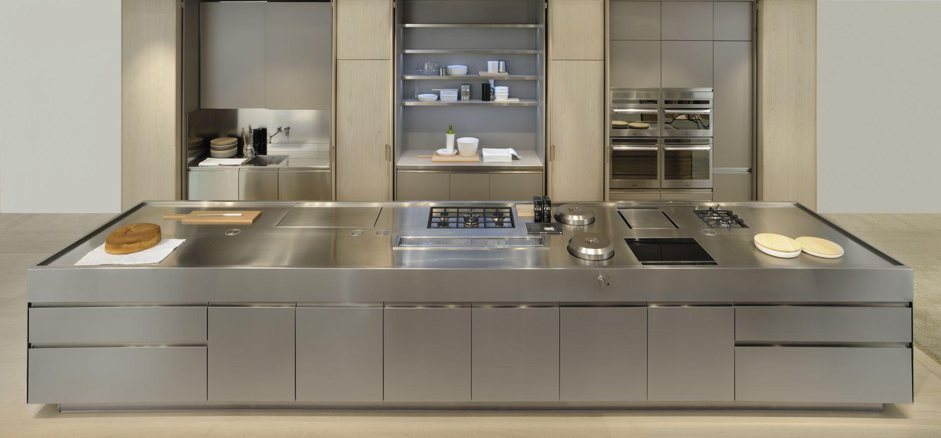 Luxusküche Edelstahl · Moderne KüchenMetall KüchenschränkeInnenarchitektur  ...