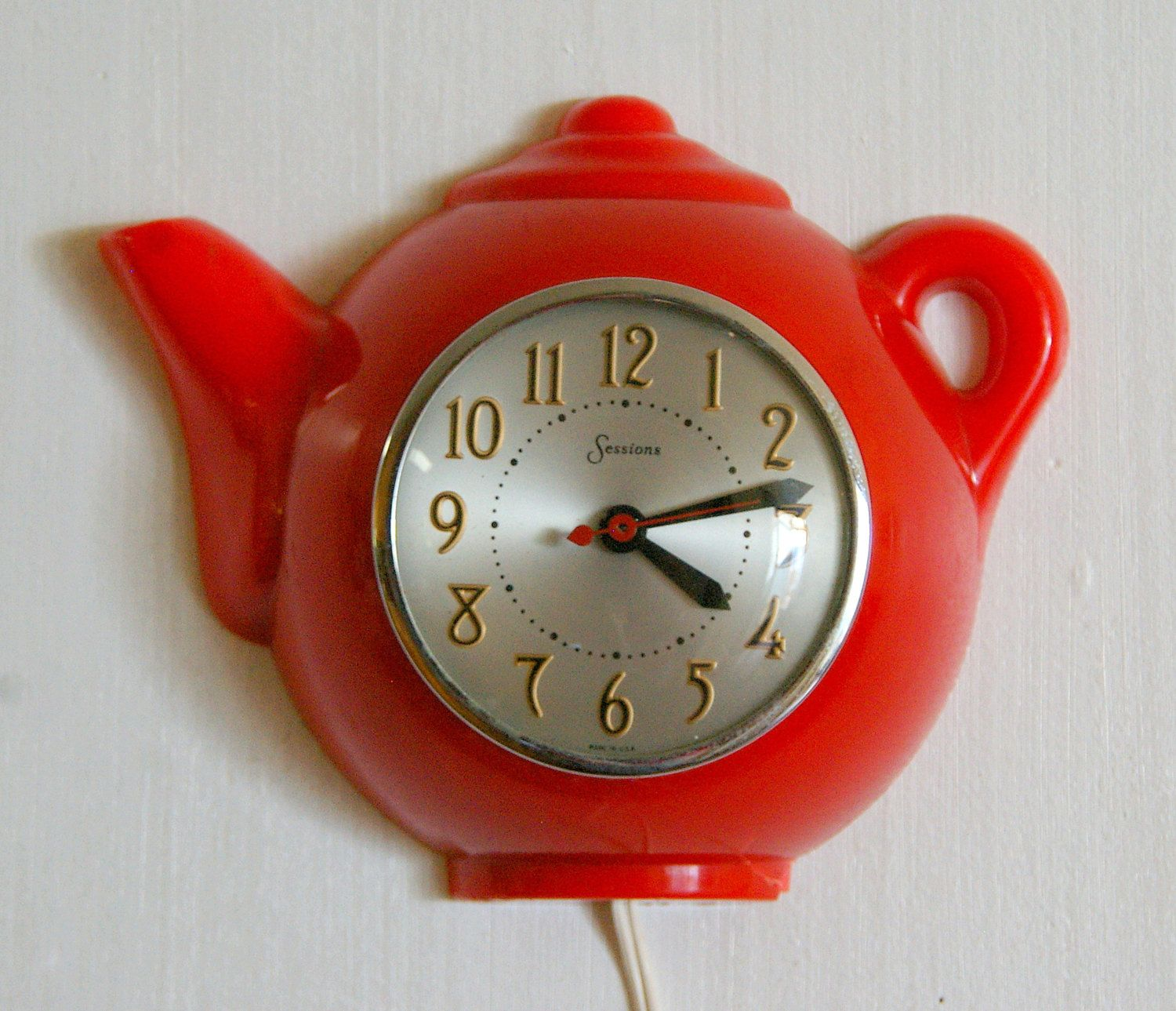 Vintage Sessions Clock Company Red Teapot Wall Clock Canemah
