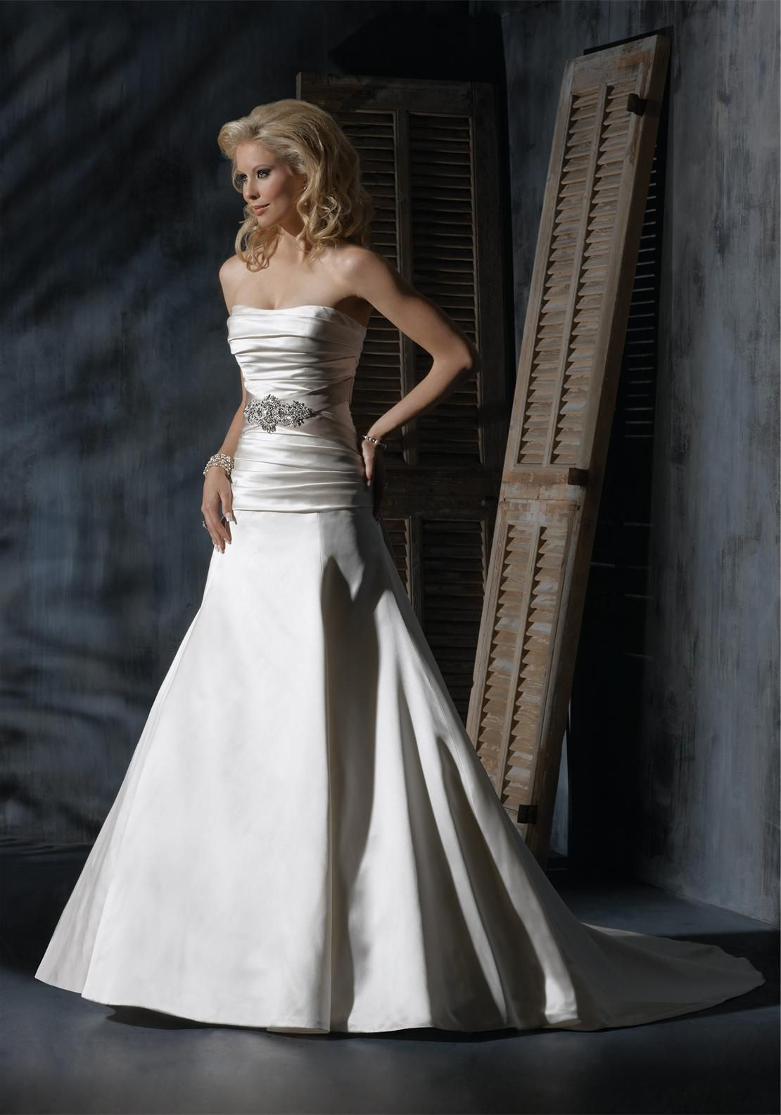 Maggie sottero tanya uk dark white mcelhinneys bridal rooms