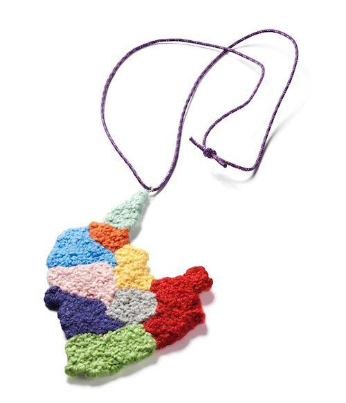 Collana What a state I am in - HELENA CLARA HEMSLEY-DK- Realizzata in tessuto, fili per cucire e corda