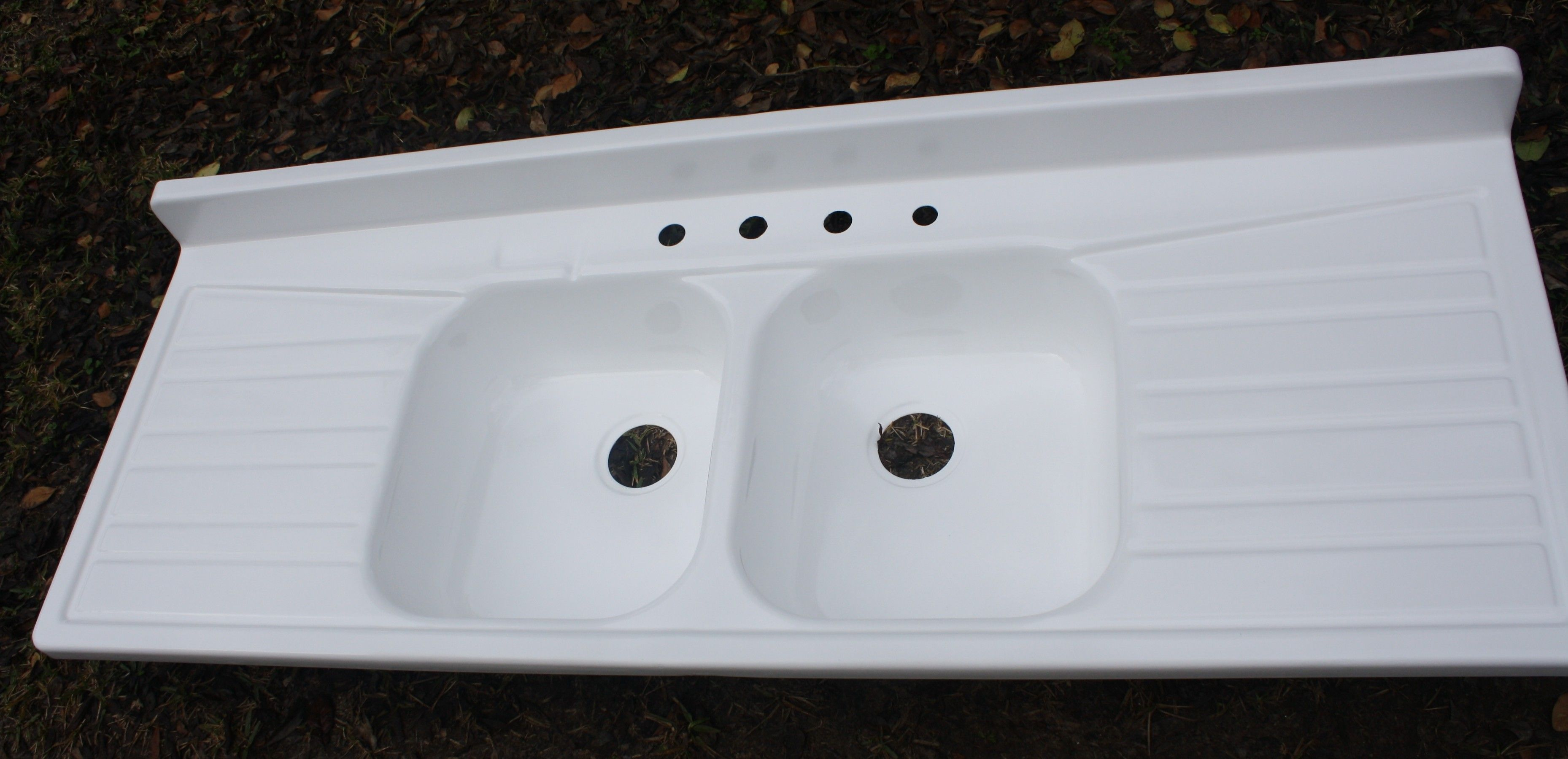 Large Ceramic Or Enameled Sinks With Drain Board 1950 S Enamel Farmhouse Sink Two