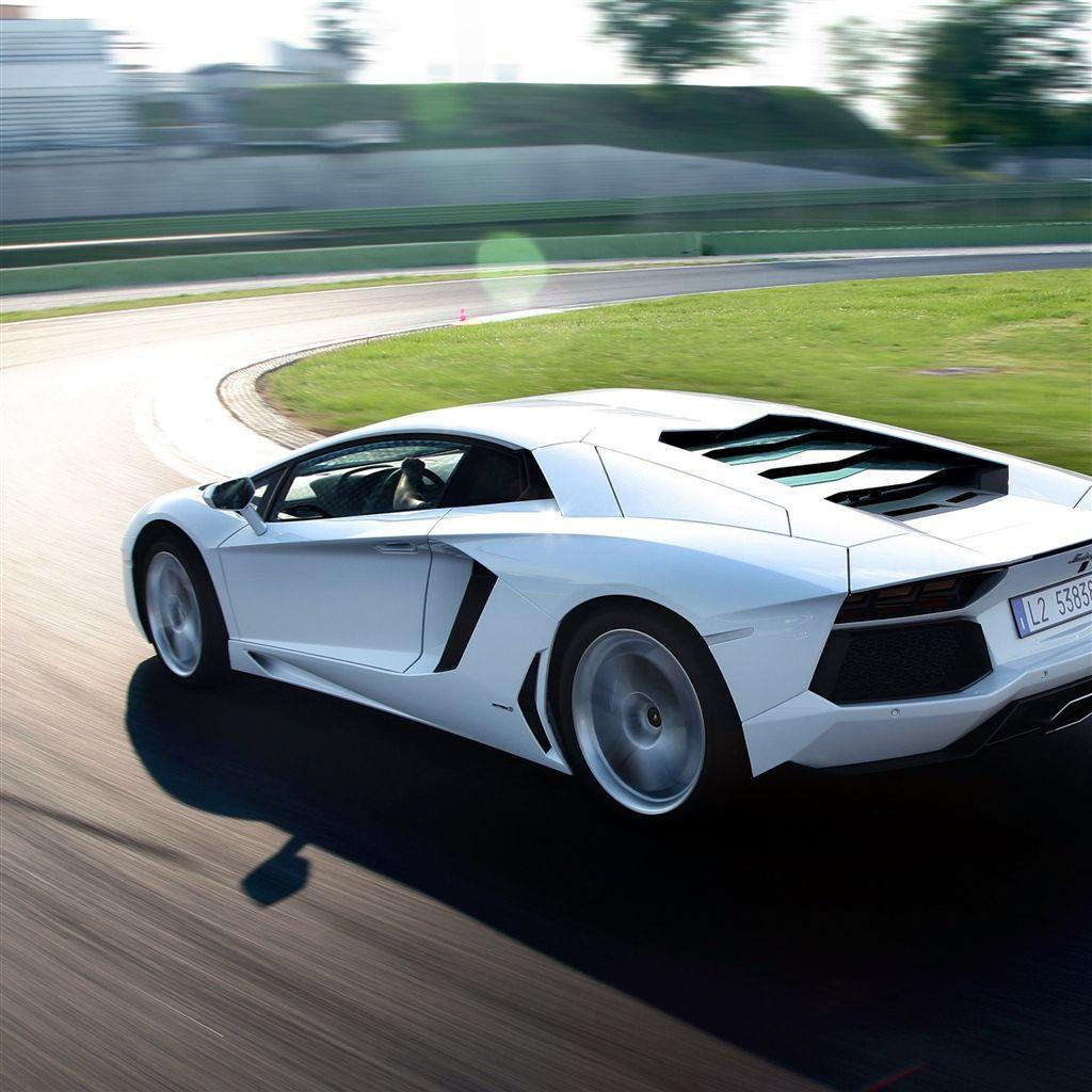 Lamborghinis For Sale: Lamborghini Aventador IPad 4 Wallpaper
