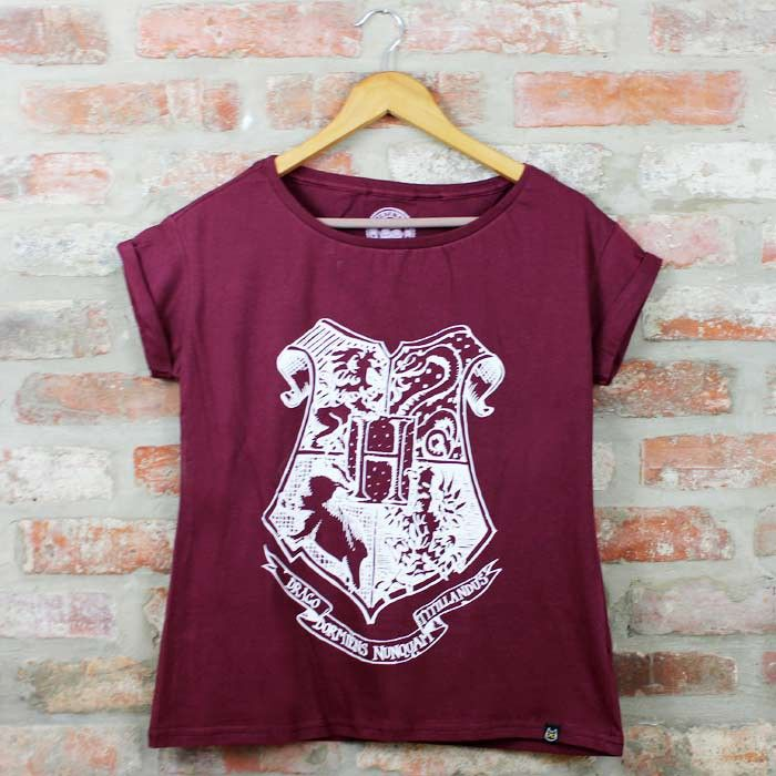 b6168dee0b Camiseta Feminina Harry Potter - Hogwarts