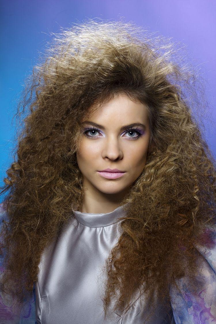 Frisuren Frauen 80Er Pinterest Frisur Volumen Volumen Haare Und