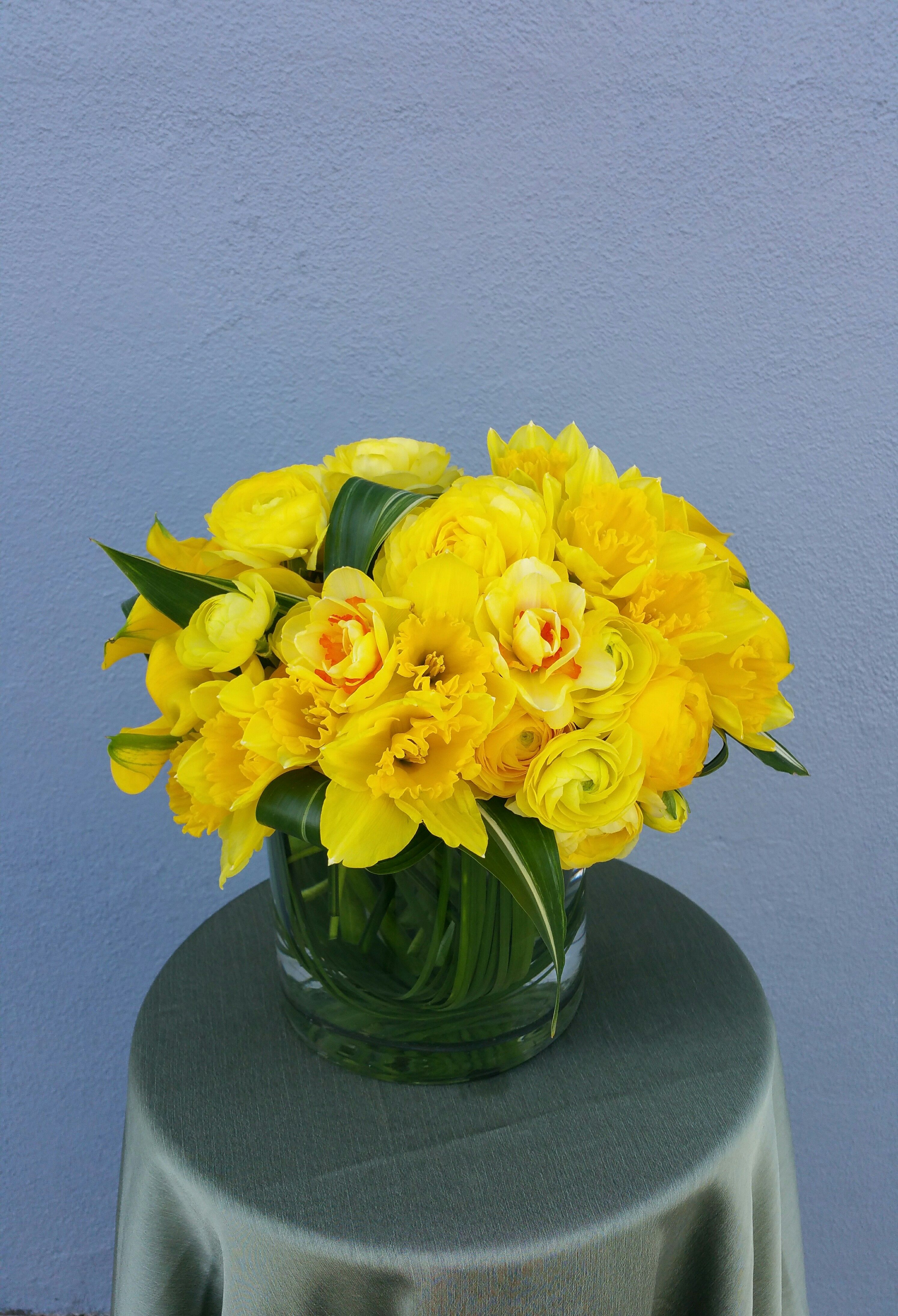 Yellow canary by Fleurs du Jour Fresh flower delivery