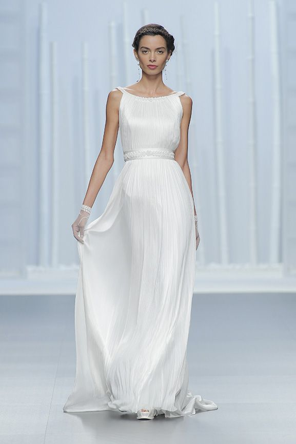 Love her designs. Rosa Clara 2016 collection unveiled! This colelction will surprise you! | Rosa Clará