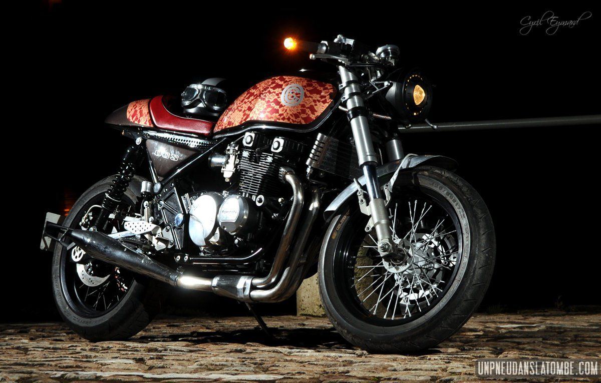 Une Kawasaki 550 Zephyr Cafe Racer Signee Oldiesn Classic Spirit