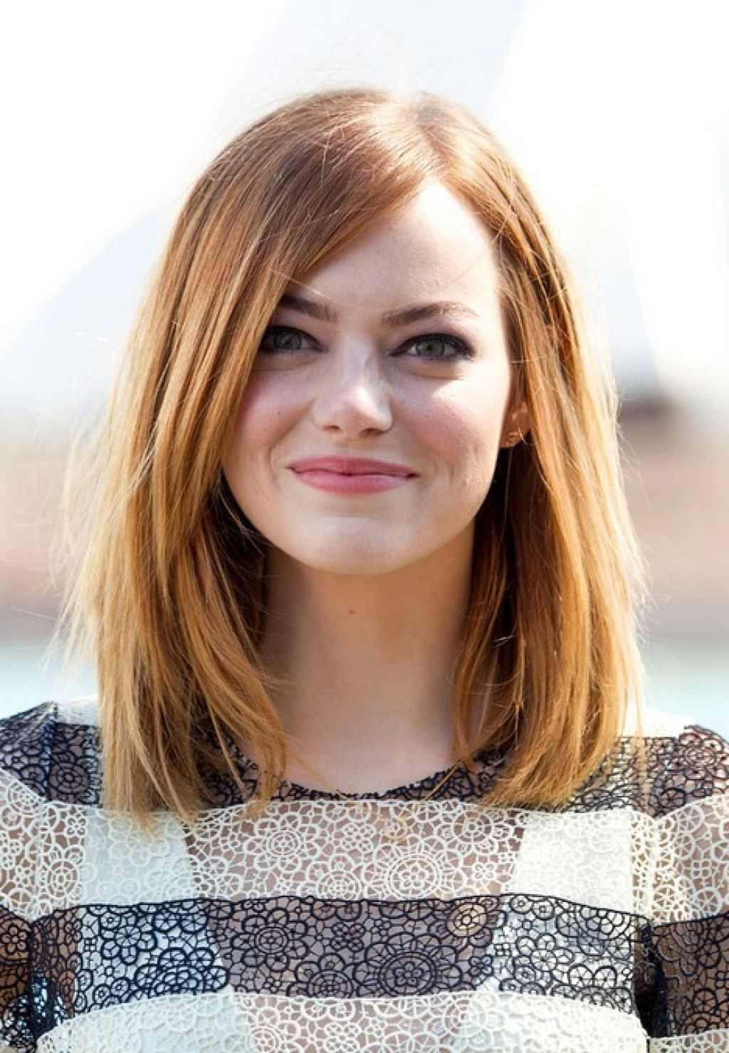 Emma Stone Couleur De Cheveux Long Bob Hairstyle For Round Faces From Emma Stone Style